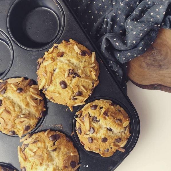 Kokos-Muffins mit Schoki und Mandeln
