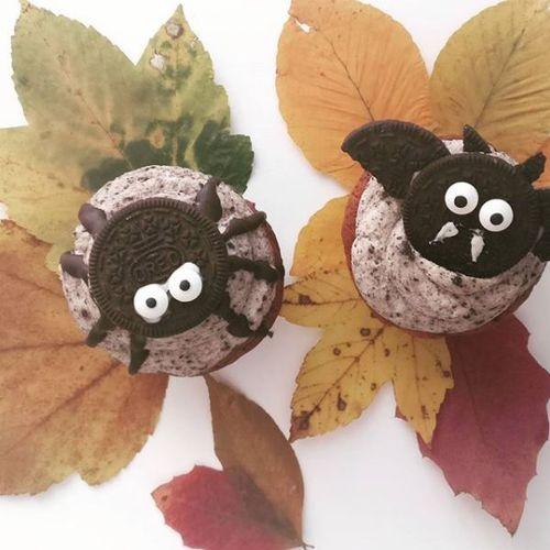 OREO Fledermaus- und Spinnen-Cupcakes