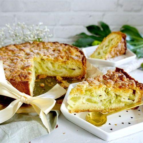 Rhabarberkuchen mit Marzipan Streusel