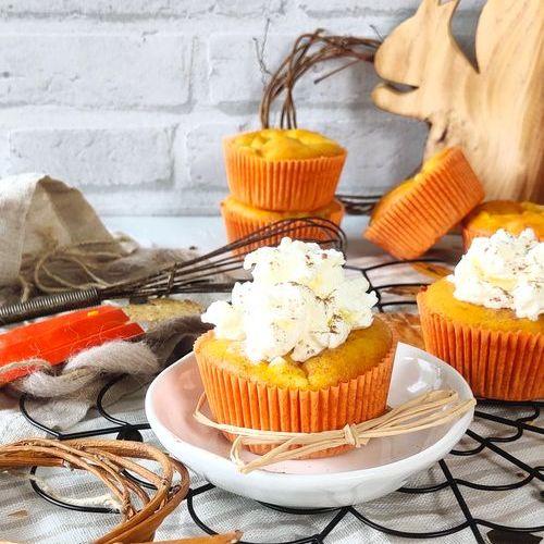 Kürbis-Apfel Muffins mit Sahne