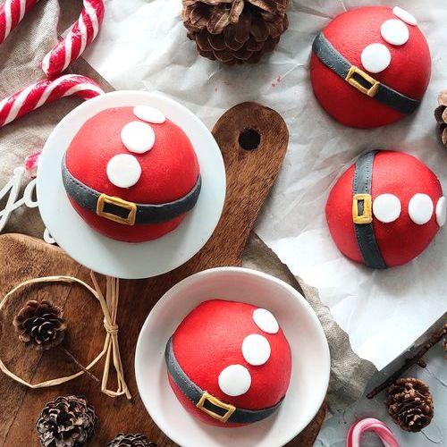 Weihnachtsmann Baumkuchen mit Marzipan