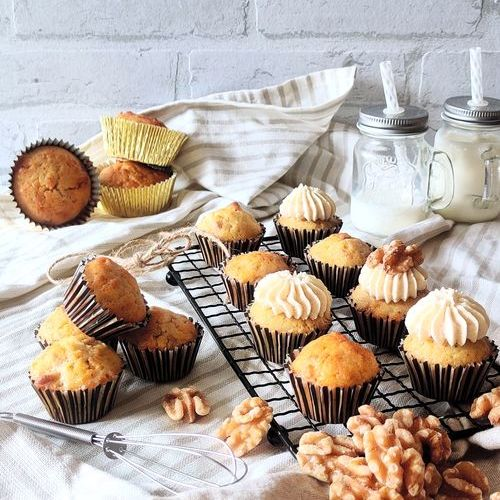 Mini Cupcakes mit Walnuss und Kaffee-Creme